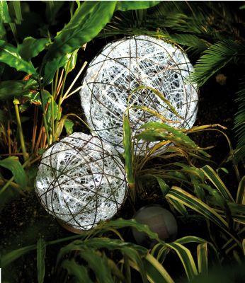 Hellum Solar-LED-Rattan-Kugeln weiss aussen