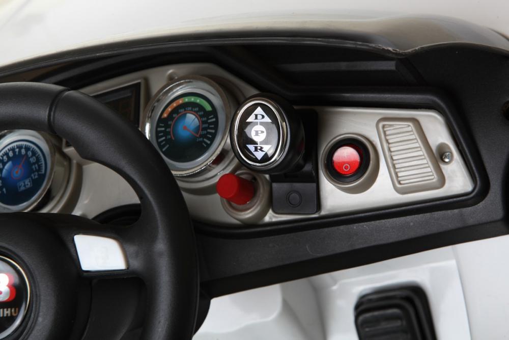 weiss r8 roadster 12v kinder elektrofahrzeug www versand. Black Bedroom Furniture Sets. Home Design Ideas