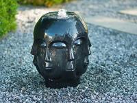 Ubbink ALMERIA - Edler Terrazzo-Kopf, schwarz, mit mehreren Gesichtern - 90 l (Ø68xH36cm), 900l/h, 1x8 LEDs weiß - H45 x 38 x 38 cm