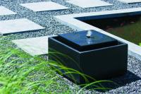 Ubbink SONORA - Wasserspiel, eckiges Becken, schwarz, Terrazzo/Polystone - 900l/h, 1x8 LEDs weiß - H33 x 50 x 50 cm