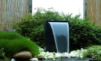 Ubbink VICENZA - Terrazzo-Wasserspiel mit Wasserfall - 90l (Ø68xH36cm), 3900l/h, 20 LED-Lichtleiste weiß - H50 x 35 x 15 cm